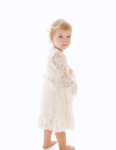 Laura - kaunis valge kleit printsessile