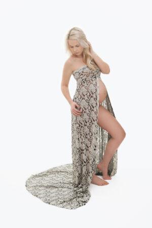 Elisabeth- luksuslik ja pilkupüüdev must-valge pitskleit pildistamiseks rasedale